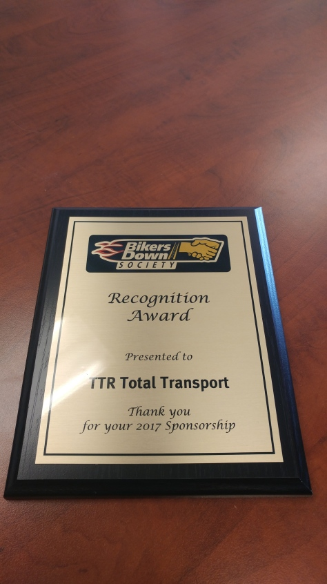 presentation of thank you plaques to mills heavy hauling total